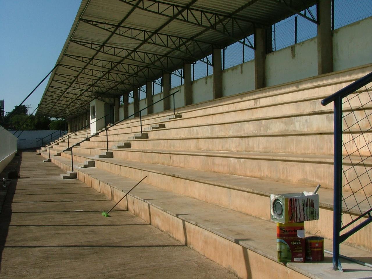 engeba-engenharia-pre-moldados-projeto-pilar-do-sul-sp-interior-obra-bndes-construçao-edificio-multipavimento-cobertura-fechamento-fundaçao-pre-fabricado-edificio-garagem-infraestrutura-industrial-terca-concreto-viga-t-cobertura-calha-escada-laje-estrutura-Estadio Municipal de Guareí