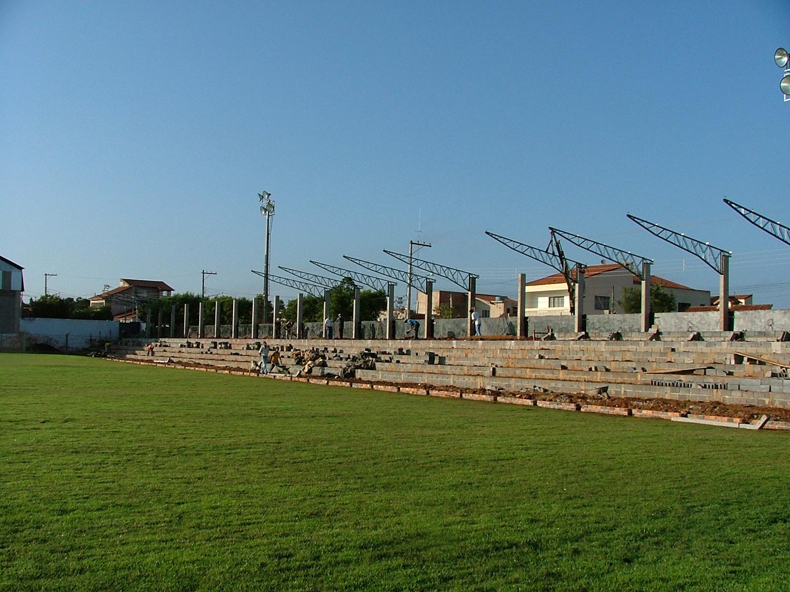 engeba-engenharia-pre-moldados-projeto-pilar-do-sul-sp-interior-obra-bndes-construçao-edificio-multipavimento-cobertura-fechamento-fundaçao-pre-fabricado-edificio-garagem-infraestrutura-industrial-terca-concreto-viga-t-cobertura-calha-escada-laje-estrutura-Estadio Municipal de Guareí (2)
