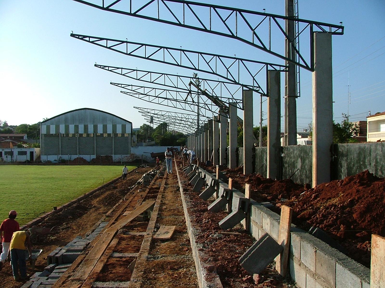 engeba-engenharia-pre-moldados-projeto-pilar-do-sul-sp-interior-obra-bndes-construçao-edificio-multipavimento-cobertura-fechamento-fundaçao-pre-fabricado-edificio-garagem-infraestrutura-industrial-terca-concreto-viga-t-cobertura-calha-escada-laje-estrutura-Estadio Municipal de Guareí (3)